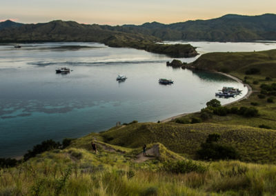 budget liveaboard in komodo view point